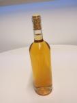 White wine oxidized because of improper cork choice